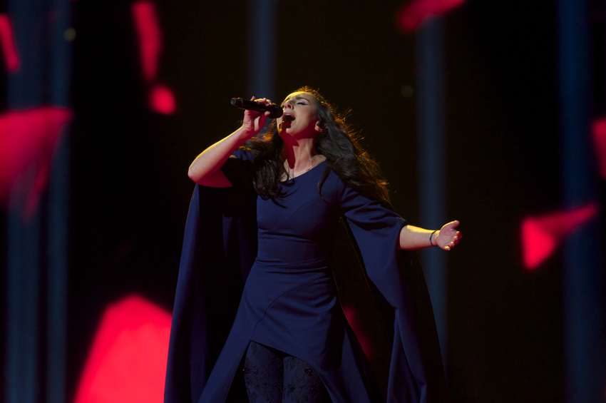 Jamala from Ukraine belts it out!