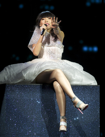 AUSTRALIA: Dami Im sings Sound Of Silence Image copyright David Ransted