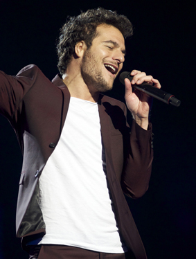 France: Amir sings J'ai Cherche Image copyright © David Ransted