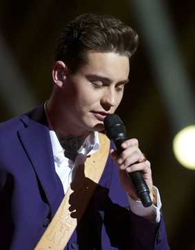 NETHERLANDS: Douwe Bob sings Slow Down Image copyright © David Ransted